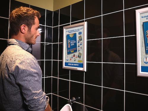 publicité dans les toilettes