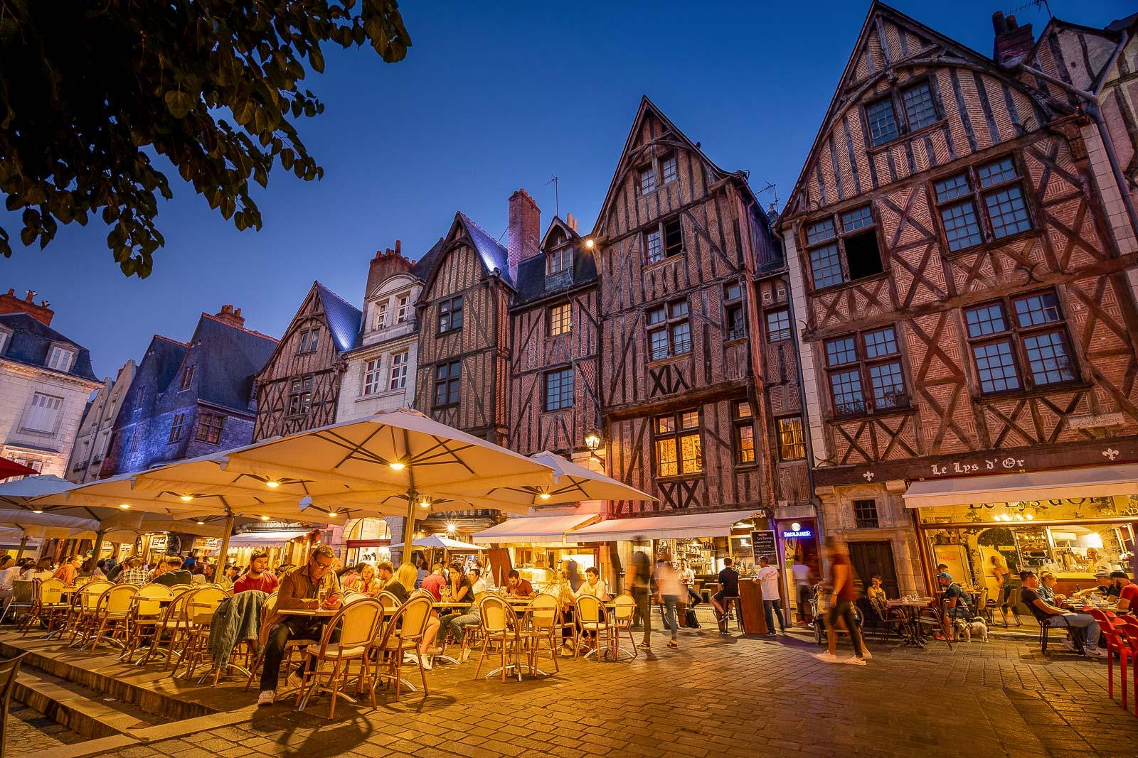 tours-centrevaldeloire-place_plumereau